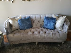 Sofa + 2 love sets + accent chair for Sale in Warner Robins, GA