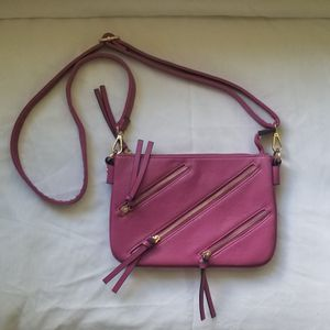 Magenta zippered cross-body purse for Sale in Toledo, OH