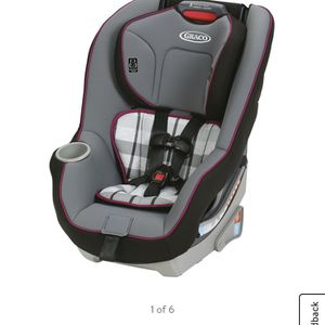 Graco Contender 65 Convertible Car Seat for Sale in Kennewick, WA