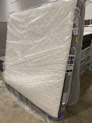MATTRESS KING SEALY for Sale in Dallas, TX