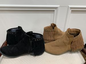 Two pair of size 9 suede fringed booties for Sale in Lilburn, GA