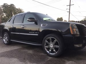 07 Escalade ext salvage title 82125 miles for Sale in Stockton, CA