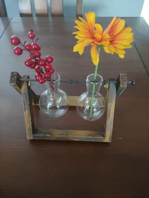 Rustic flower vase for Sale in Upland, CA