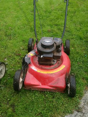 Older lawn mower for Sale in Donora, PA