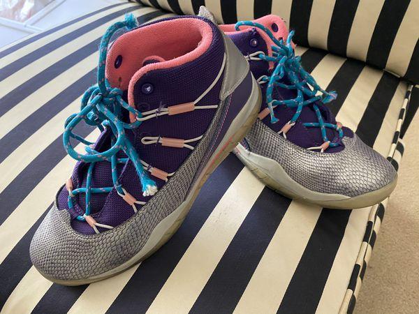 Children Girls size 5.5 Jordan Sneakers