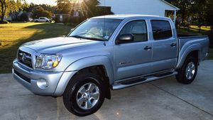 Great 2005 Toyota Tacoma 4WDWheels For Sale for Sale in New York, NY