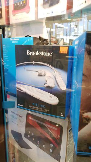 Brookstone wireless neckband earbuds for Sale in Las Vegas, NV