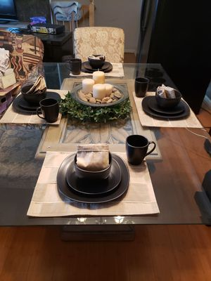 Dining room table set for Sale in Waldorf, MD