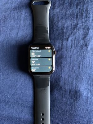 apple watch series 4 for Sale in Cleveland, OH