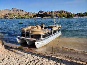 LOWE pontoon boat for Sale in Montclair, CA