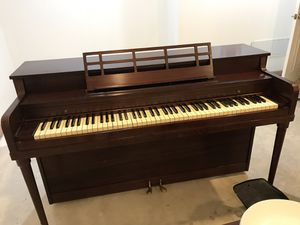 Free piano for Sale in McHenry, IL