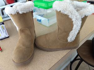 Girl's boots for Sale in Imperial, CA