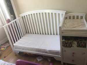 Crib with changing table and drawers for Sale in Ontario, CA