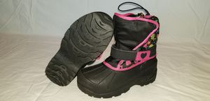 Snow boots kids size 2 for Sale in Fresno, CA