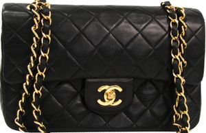 Like New Chanel bag for Sale in Dallas, TX