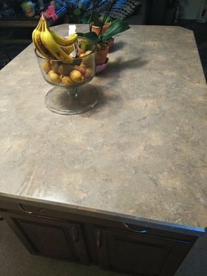 Kitchen island beautiful for Sale in IND HEAD PARK, IL