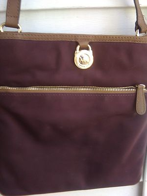 Michael kohrs hand bag for Sale in Columbus, OH