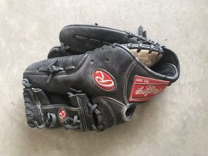 Rawlings infielders glove for Sale in Atwater, CA