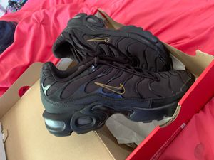 Nike Air Max PLUS for Sale in Ellenwood, GA