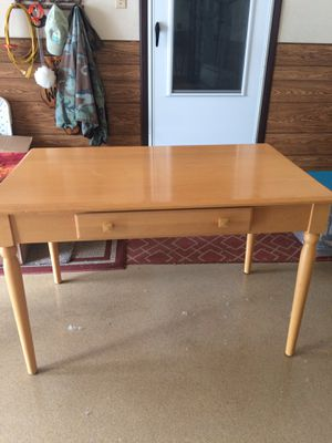 Ethan Allen Blonde desk w/nitestand. Sofa table and Knick-knac table for Sale in Willowbrook, IL