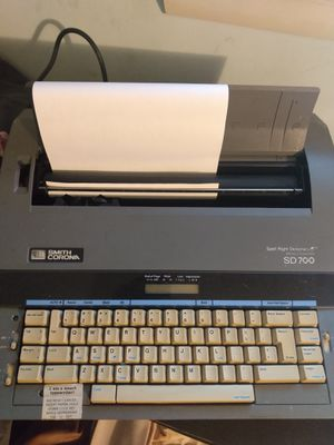 Corona SD 700 TYPEWRITER for Sale in Ellington, CT