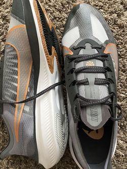 Nike Zoom Gravity (size 13) for Sale in Los Angeles,  CA
