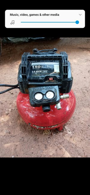 Air compressor and rigid vac 30$ obo for Sale in Luther, OK