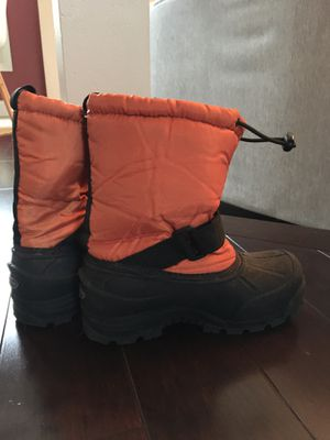 Snow boots kids size 2 - in great condition for Sale in Chantilly, VA