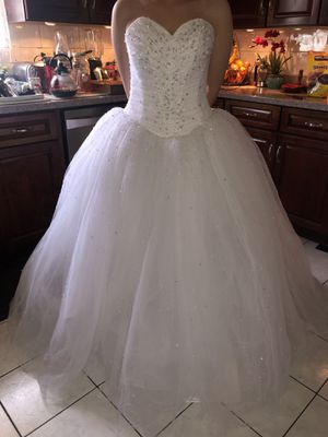 Demetrios Style 937 White Wedding Dress for Sale in Chicago, IL