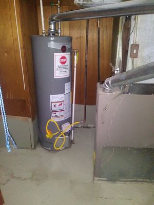 Gas water heater for Sale in Detroit, MI