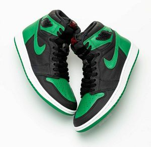 Jordan 1 pine green size 8 for Sale in Norwalk, CA