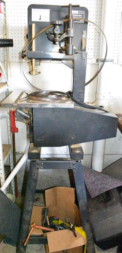 Vintage Sears Craftsman 9 inch 351 Bandsaw 1HP with Stand for Sale in Oregon City,  OR