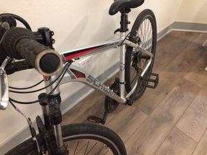 Schwinn hybrid bike tallish frame for Sale in Salt Lake City, UT