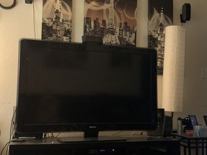 55 inch phillips flatscreen TV works excellent just getting a new one for Sale in Fresno, CA