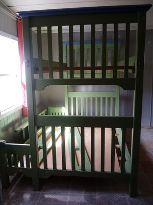 Twin over full buk bed for Sale in Lake Wales, FL