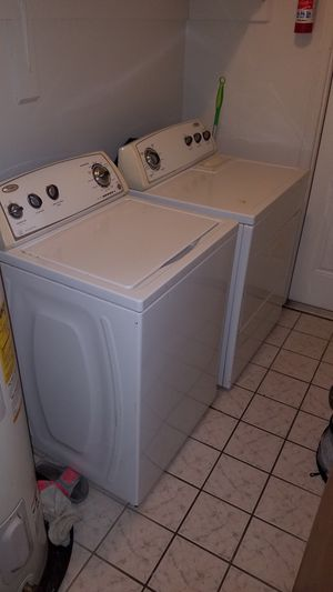 Whirlpool Used washer and dryer still works good for Sale in Jan Phyl Village, FL