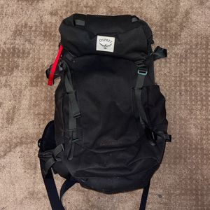 Osprey Archeon 45 Back Pack W Hyrdo Pack for Sale in Tacoma, WA