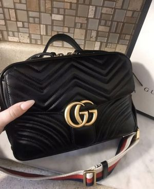 GUCCI GG MARMONT MATELASSE TOP HANDLE BAG SMALL for Sale in Boston, MA