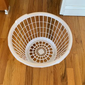 Laundry Basket for Sale in Queens, NY