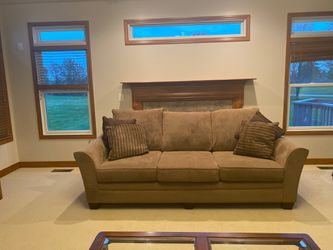 2 identical Coconis furniture *Scotch guarded* no pets moving sale for Sale in Powell,  OH