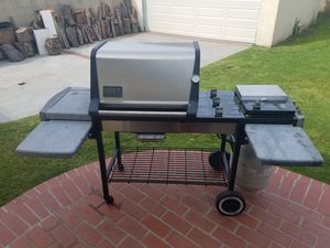Weber Genesis Gold BBQ for Sale in Long Beach, CA