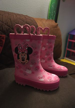 Rain boots size7/8 for Sale in Lakewood, CA