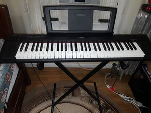 Electric piano YAMAHA Piaggero NP- 12 for Sale in Brooklyn, NY