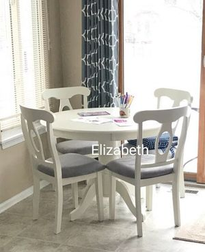 White solid wood dining table set for Sale in Norwalk, CA