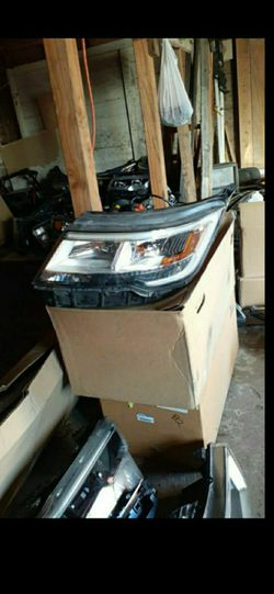 2016-2019 Ford explorer headlight full LED LH OEM for Sale in Dallas,  TX