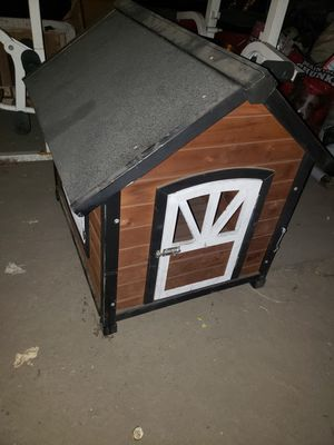 Medium Dog house for Sale in Lynwood, CA