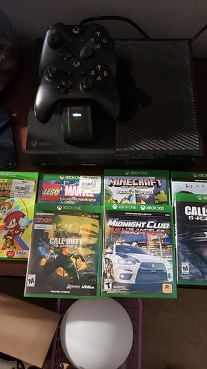 Xbox one Tb with wireless controller and 7 games for Sale in Crestview, FL