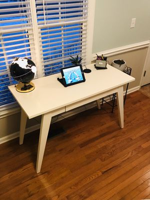 Desk for Sale in Archdale, NC