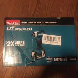 Makita Impact Driver , Bag , Battery And Charger for Sale in St. Louis,  MO