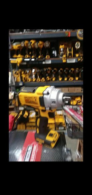 DEWALT 20V MAX XR LITHIUM ION BRUSHLESS CORDLESS 1/2 IN IMPACT WRENCH WITH DETENT PIN ANVIL for Sale in San Bernardino, CA